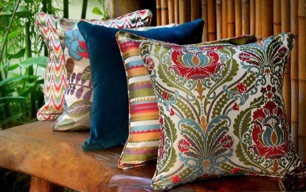 almofadas-coloridas-1